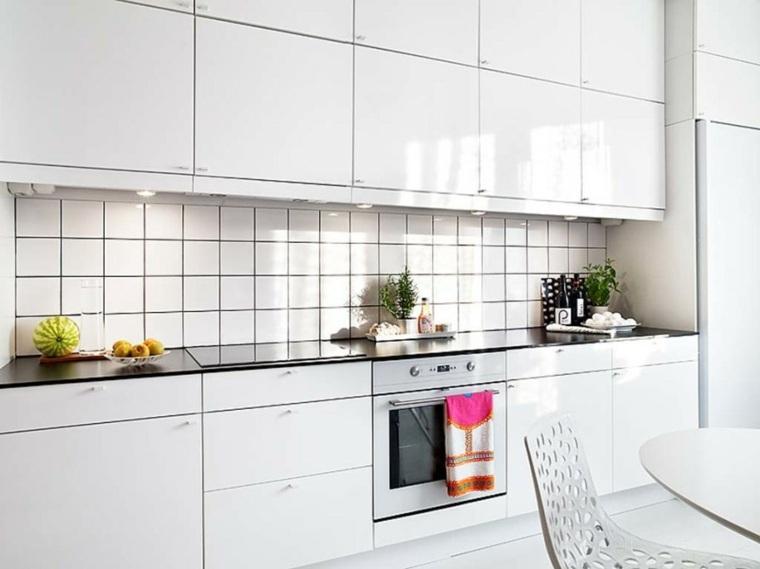 Azulejos blancos de estilo metro en ba os y cocinas for Cocinas tradicionales blancas