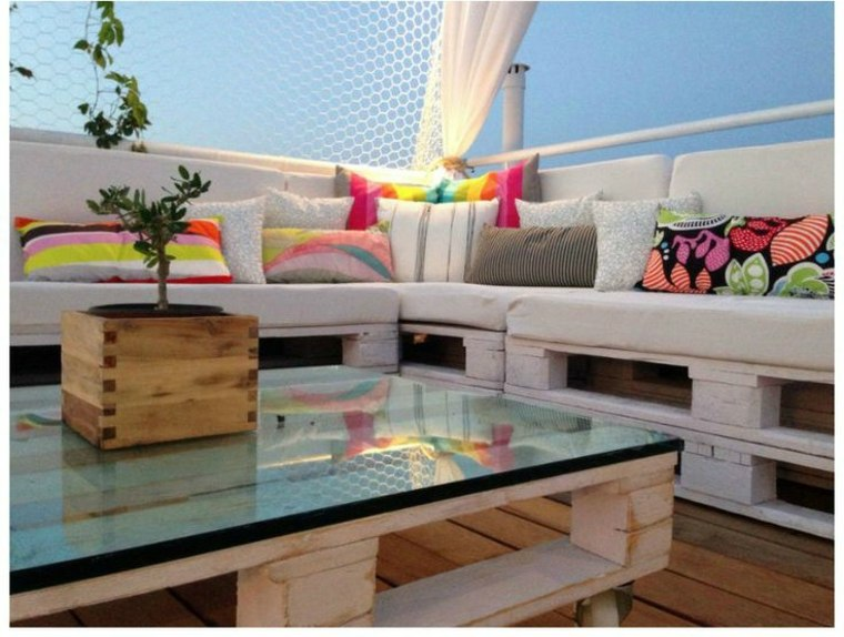Chill Out Con Palets Disenos Geniales Que Puedes Hacer Tu Mismo - Terraza-chill-out-con-palets