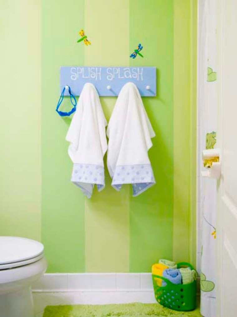 percheros baño infantil verde