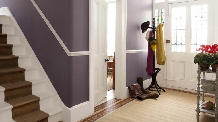 pintura pasillo entrada color violeta