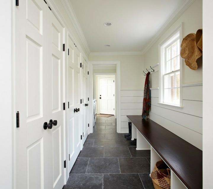 recibidores armarios blanco empotrados paredes canastas