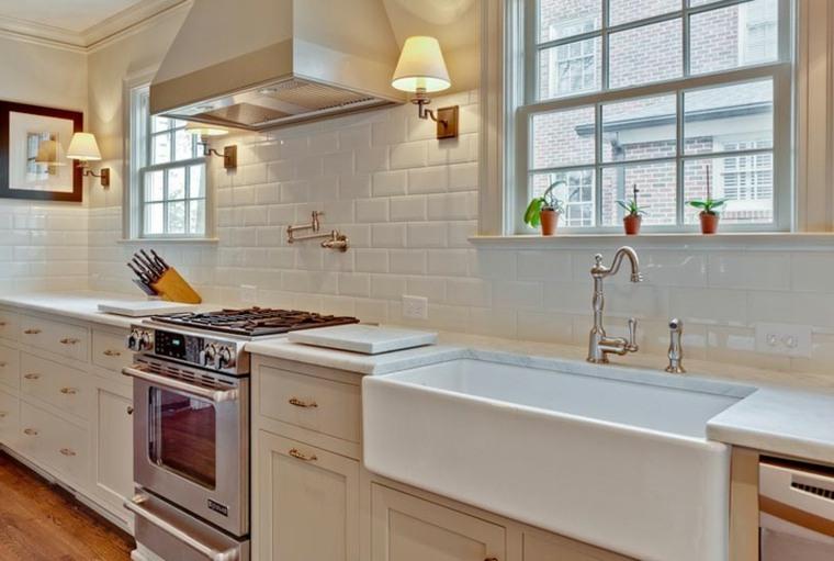 Azulejos blancos de estilo metro en ba os y cocinas for Baldosa metro