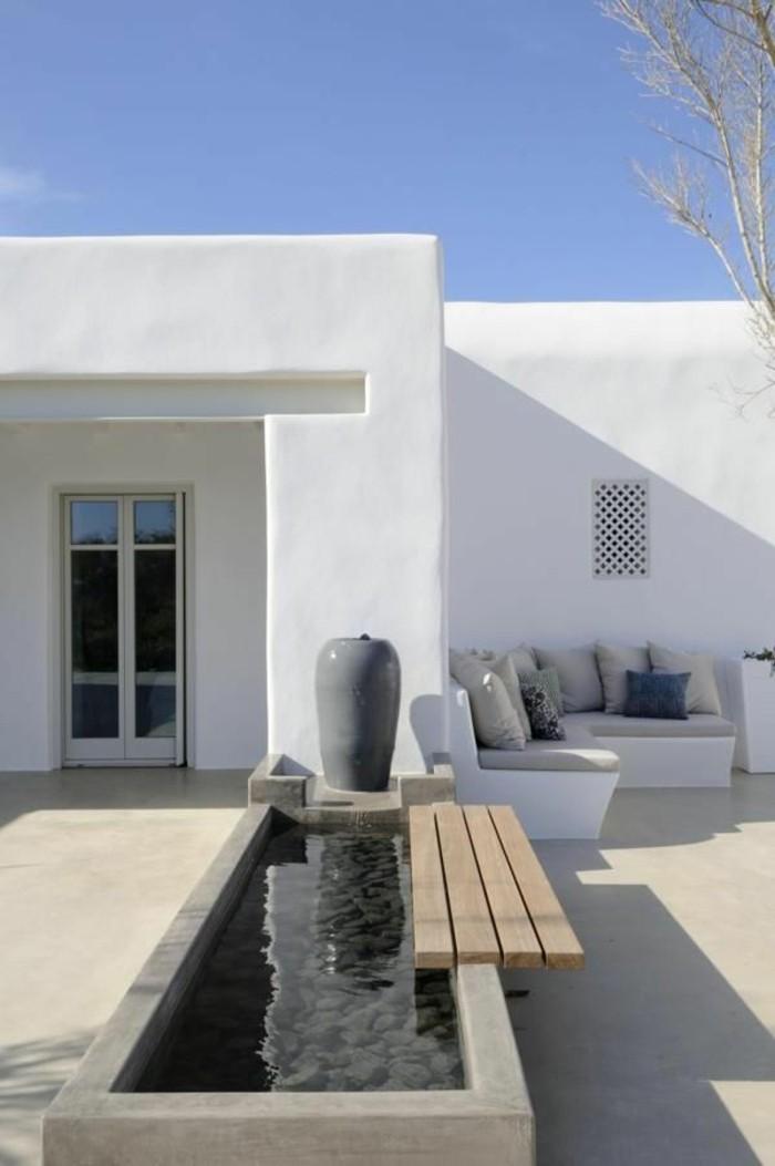 terraza diseño minimalista banco paredes acuario