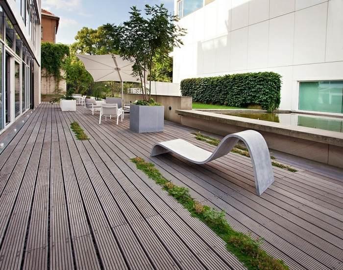 terrazas diseño minimalista suelo madera plantas