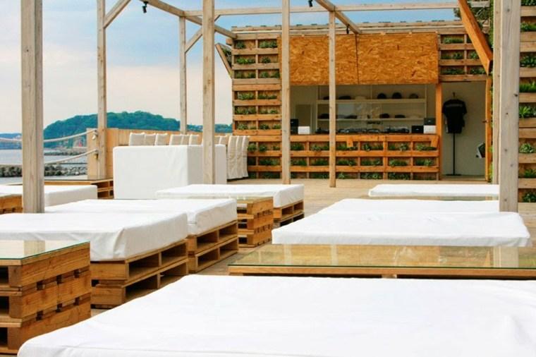 terraza lujosa camas chill
