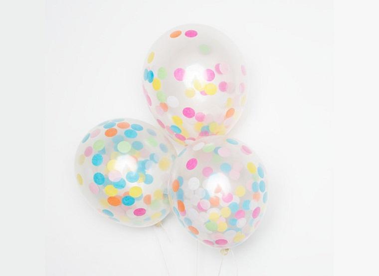 tres globos confeti colores