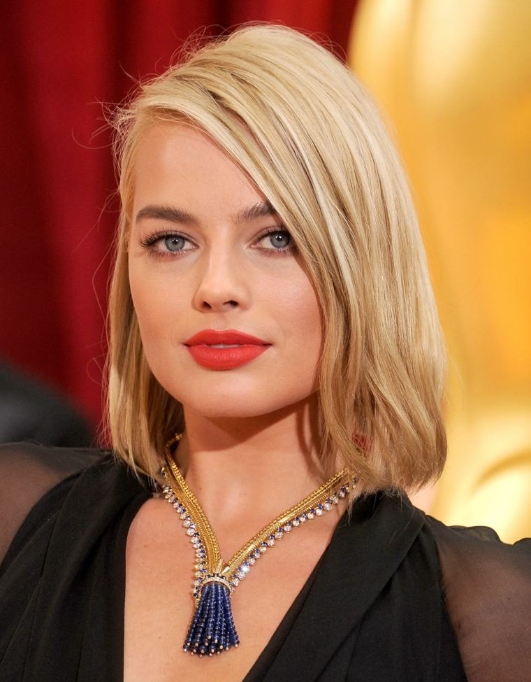 Margot Robbie flequillo lado ideas