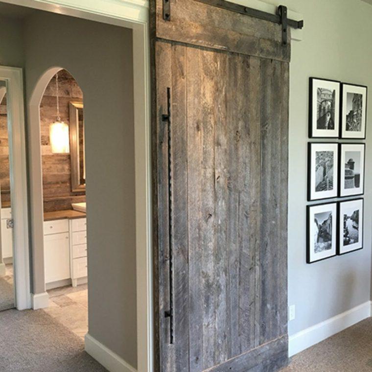 Como hacer una puerta rustica puerta corredera en mueble for Como hacer una puerta de madera