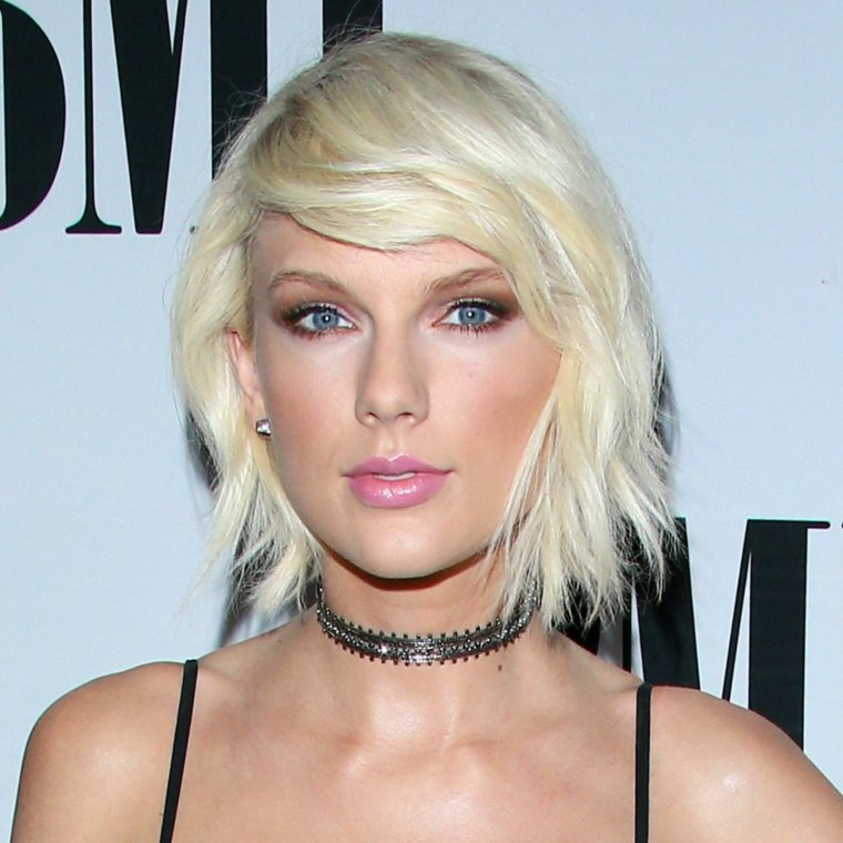 Taylor Swift pelo corto rubio ideas