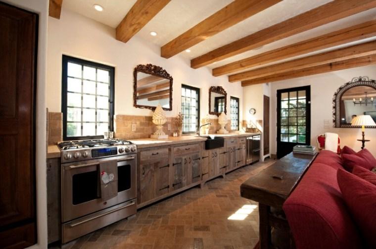bonita cocina vigas madera vista