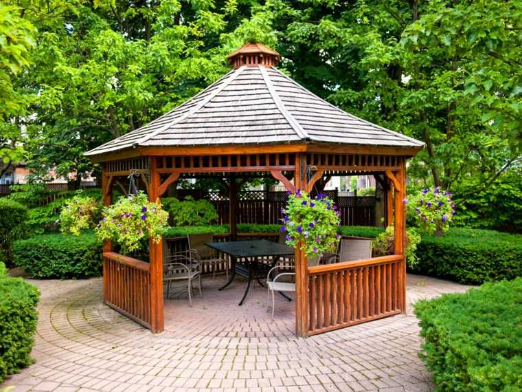 carpas de madera para jardín