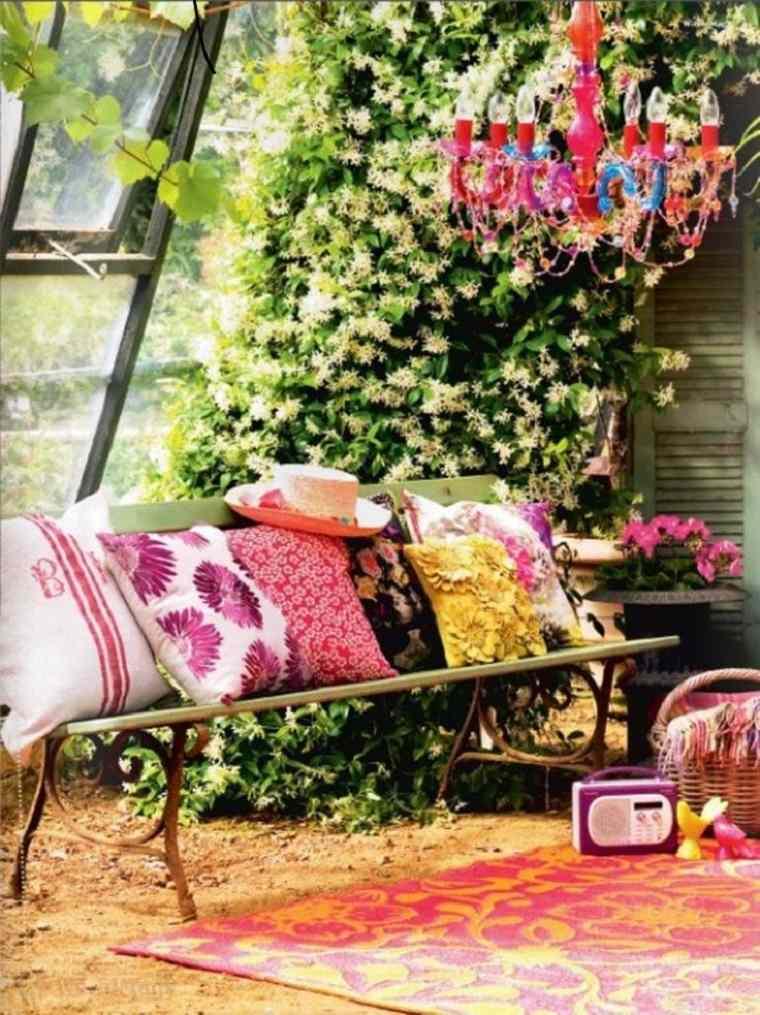 decoración terraza cojines colores