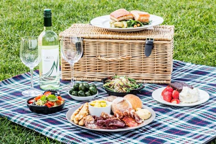 picnic rom ntico en el campo unas ideas originales