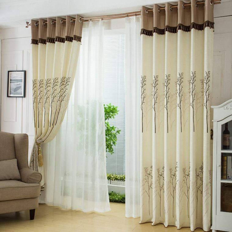 cortinas en ventanas oscilobatientes