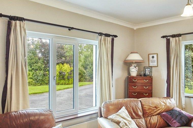 Cortinas para ventanas oscilobatientes para decorar el interior - Cortinas para un salon ...