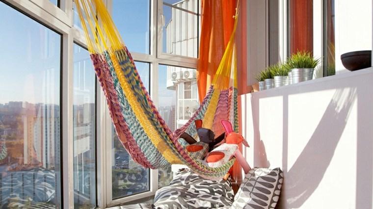 decorar balcones pequeños hamaca colores estilo ideas