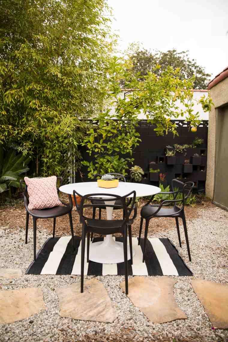 decorar terrazas barato sillas negra opciones ideas