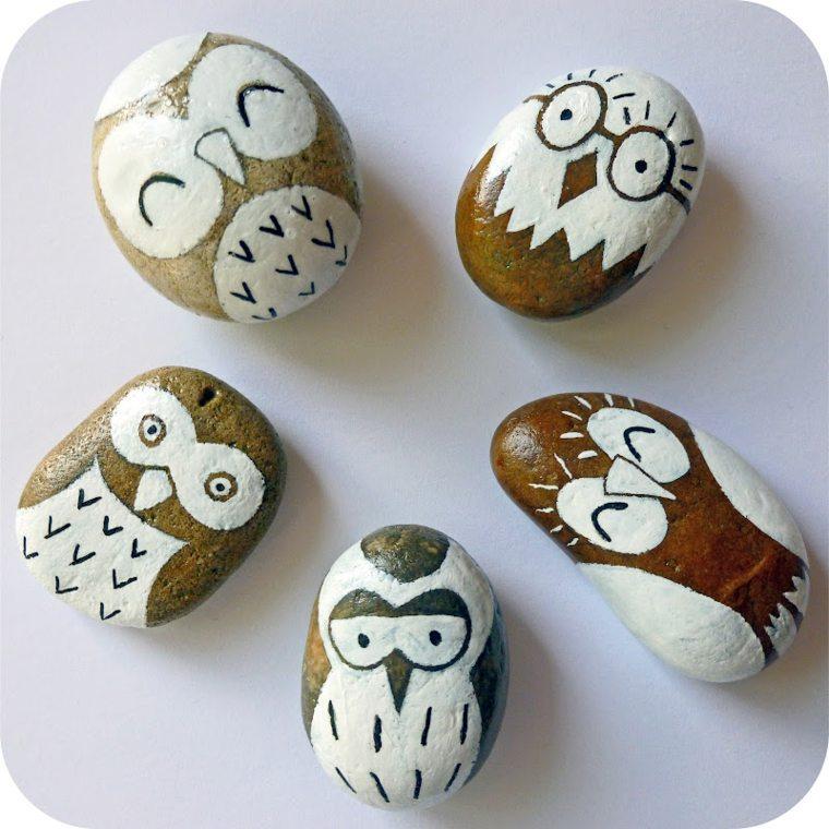 Piedras pintadas para decorar vuestra casa de forma original for Pintura para pintar piedras