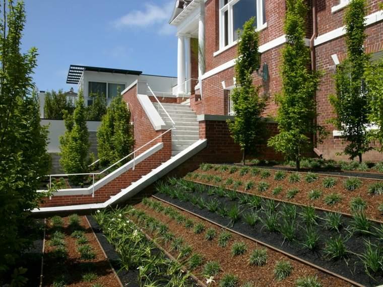 diferentes niveles diseño jardin