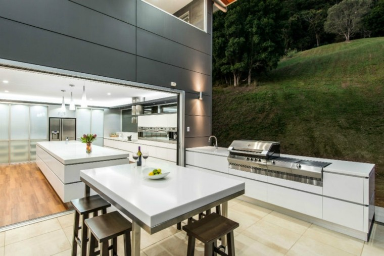 diseño de cocinas ideas abiertos blancos mesas