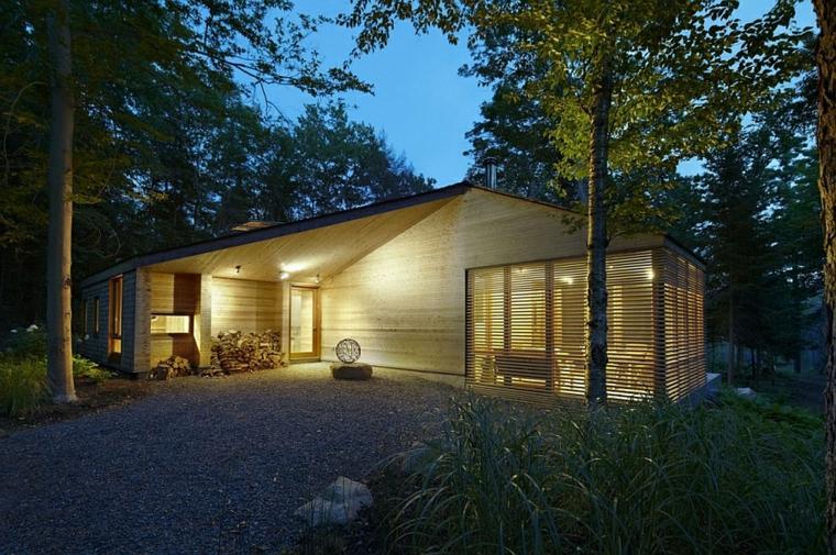 original casita madera bosque