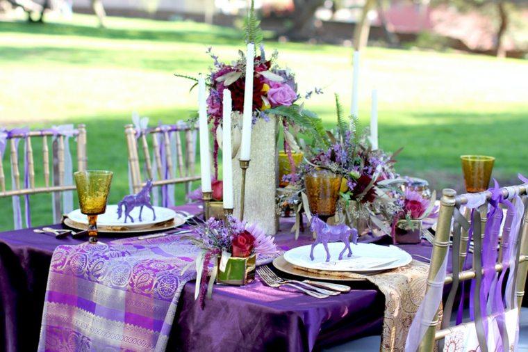 mesa mantel color morado