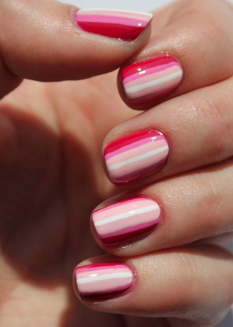 diseños de uñas coloridos manos