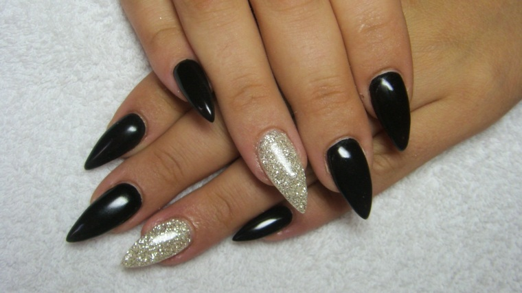 diseños de uñas largas modernas