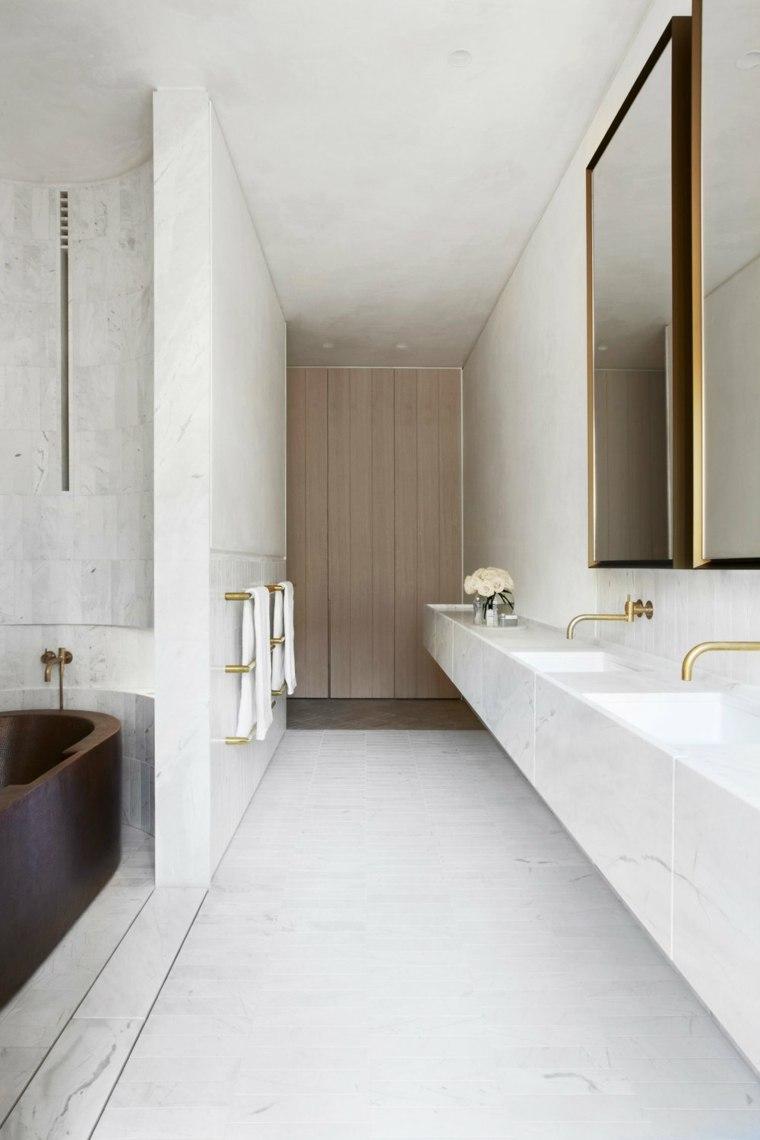 Espejos de ba o grandes para decorar el interior - Paredes para banos ...