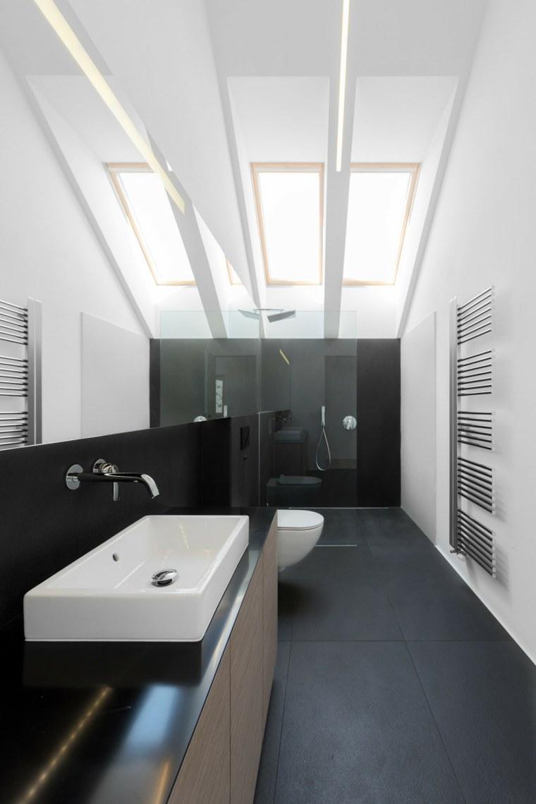 Espejos de ba o grandes para decorar el interior - Lamparas para espejos de bano ...