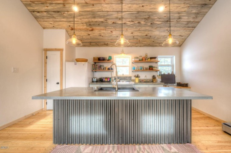 estupenda cocina techo rustico