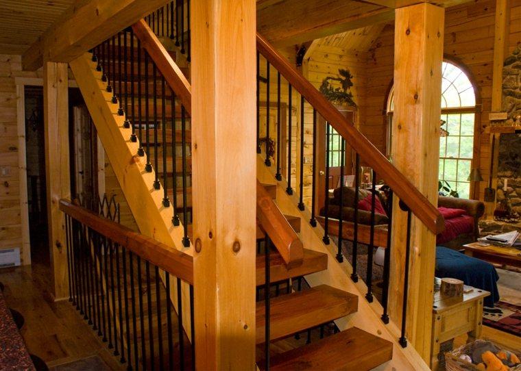 estupenda escalera vigas madera natural
