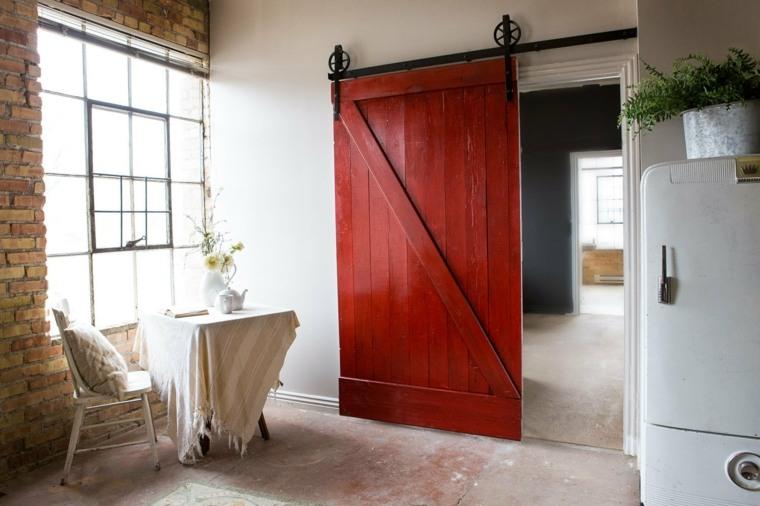 puerta corredera roja