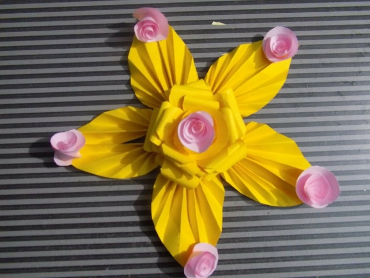 flores de papel decorar pared
