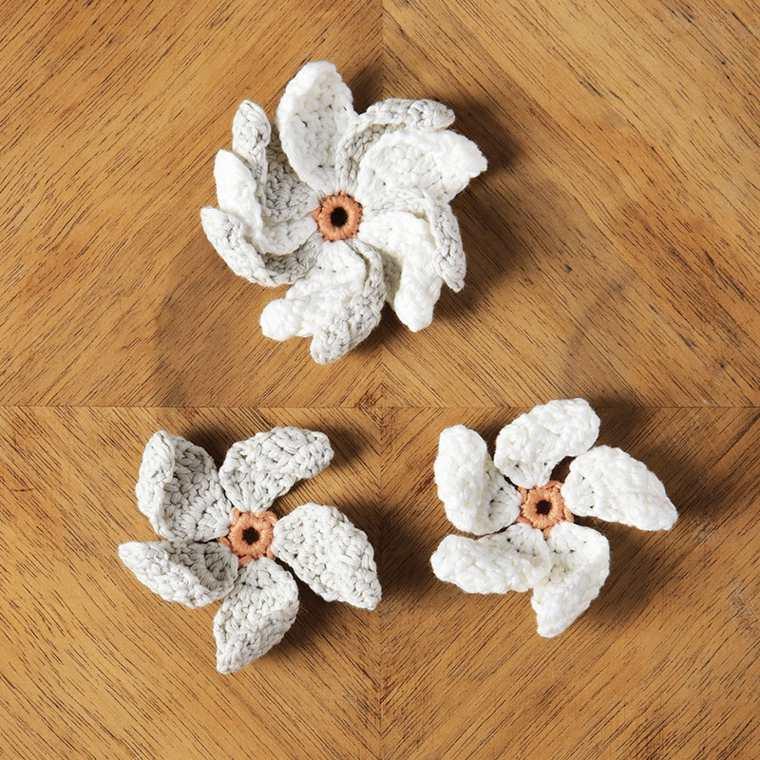 flores en ganchillo decorar
