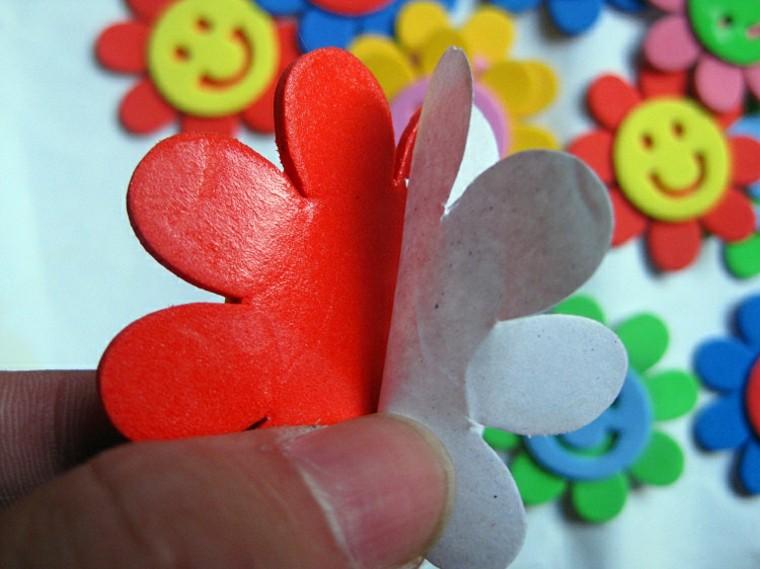 cómo hacer florecillas goma eva