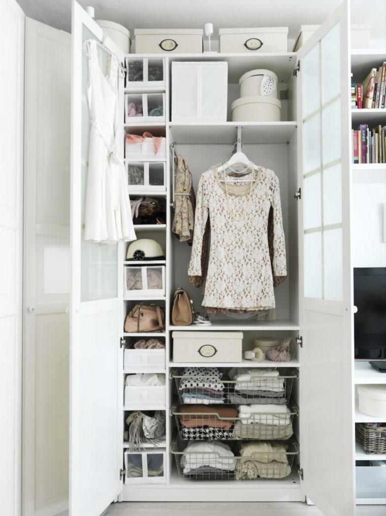 estupendo vestidor blanco
