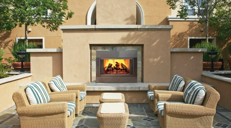 ideas para decorar jardin chimenea exterior diseno color beige moderno