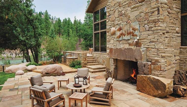ideas para decorar jardin chimenea exterior piedra moderno