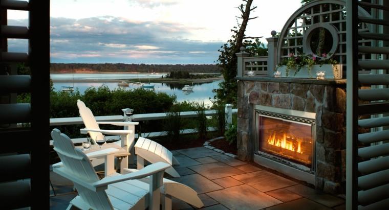 ideas para decorar jardin chimenea exterior sillas madera blancas moderno