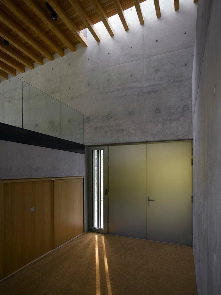 interior cemento madera