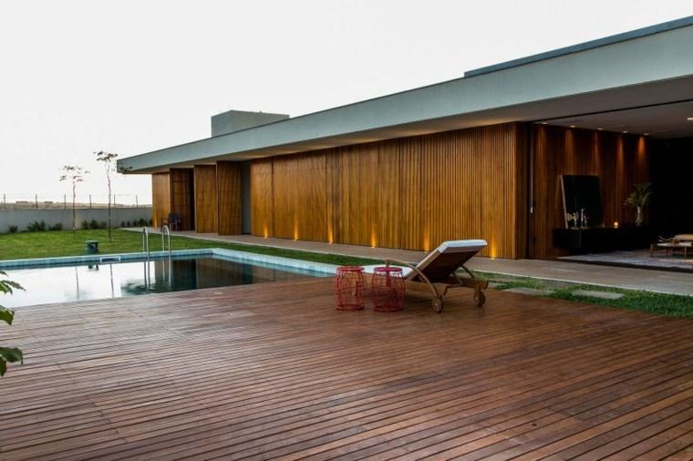 interiores de casas diseño piscina patio rojo