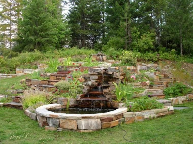 jardín fuente varias terrazas