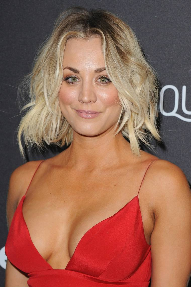 kaley cuoco look desordenado flequillo corto ideas