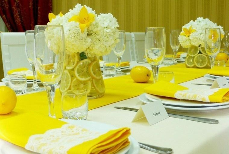 Centros de flores 38 ideas para bodas eventos y fiestas - Centros de mesa con limones ...