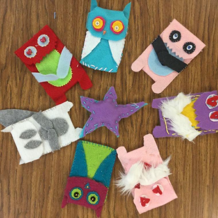 manualidades para niños diseño felpa colores variantes