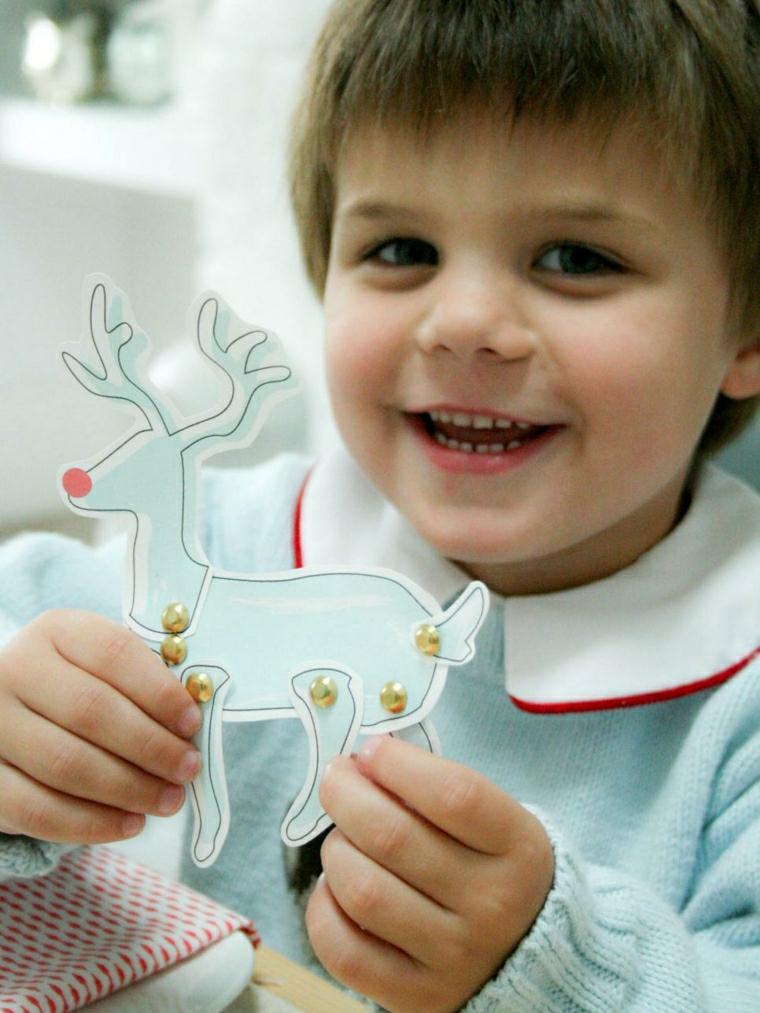 manualidades para niños diseño reno colores claros