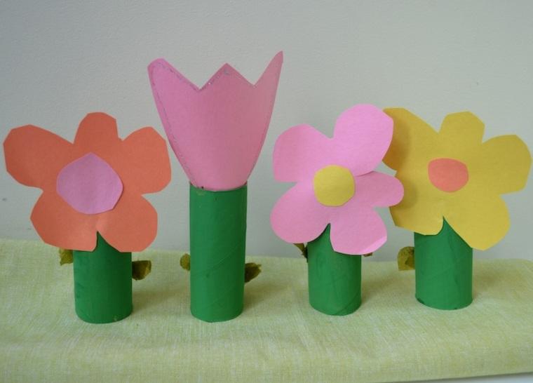 manualidades para niños rollos reciclados verdes