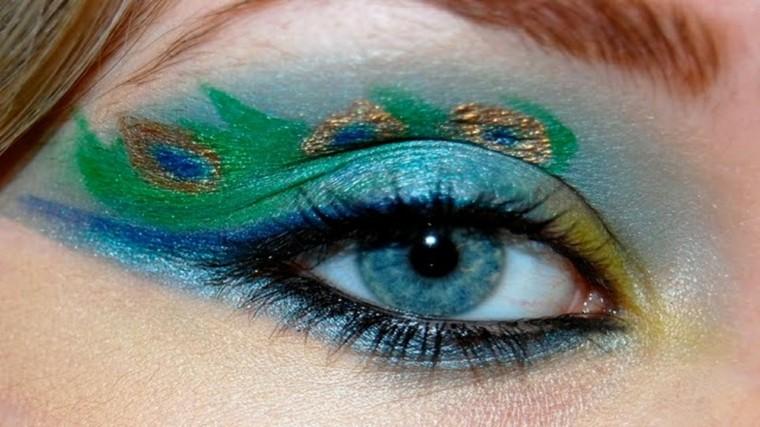 maquillaje ojos mujeres interesantes