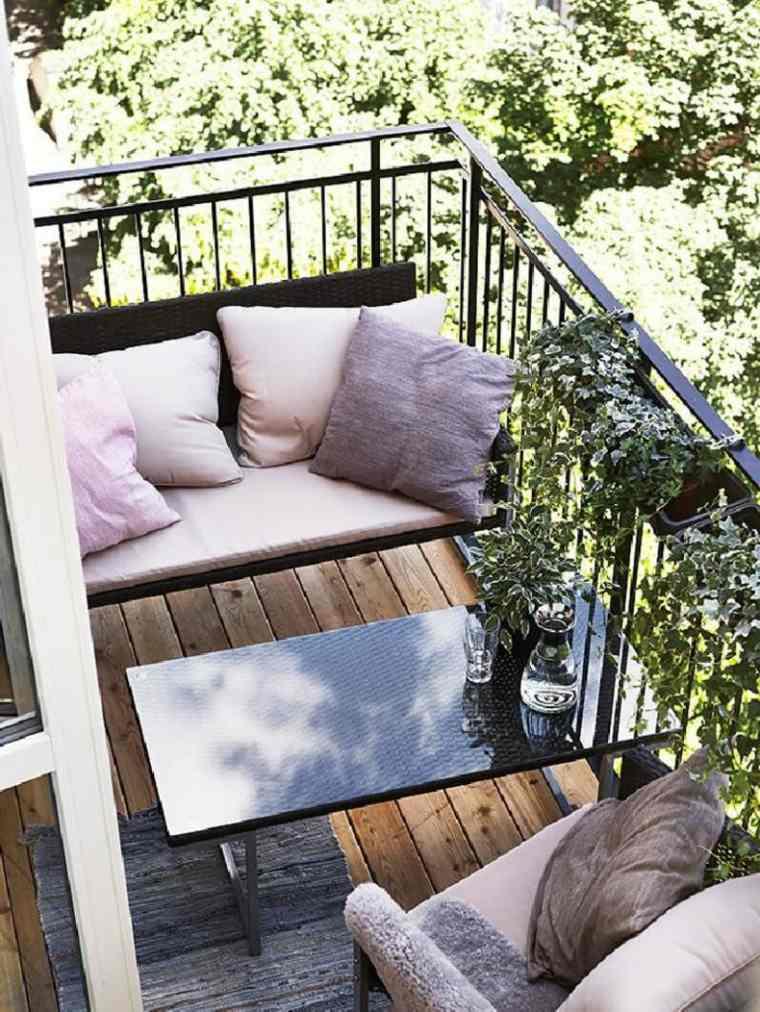 original terraza decorada muebles cojines